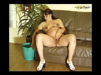 Pregnant Slut Fucks Eels (part 4)